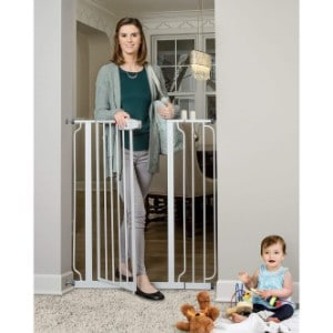 5 Best Dog Gate Reviews (Updated 2019) 3