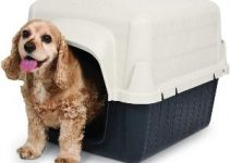 10 Best Dog Houses For Winter (Reviews Updated 2021)